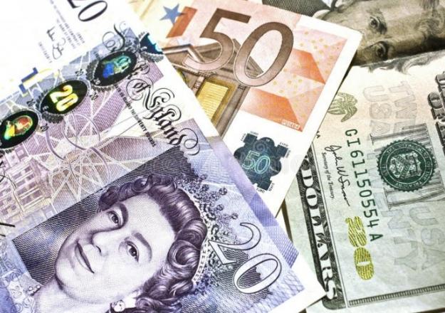 Dolar ve euro yeniden zirveye yaklaşıyor