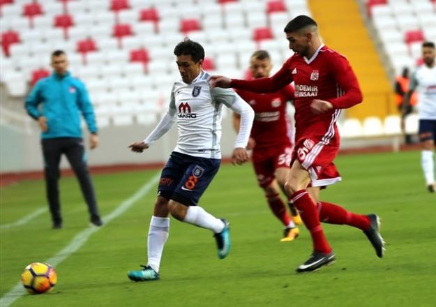 Medipol Başakşehir - Demir Grup Sivasspor maçı saat kaçta ve hangi kanalda