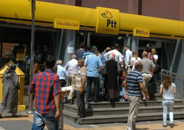 Arefe günü bankalar, PTT ve kargo şirketleri açık mı!