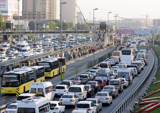 İstanbullulara seçim için trafik uyarısı!