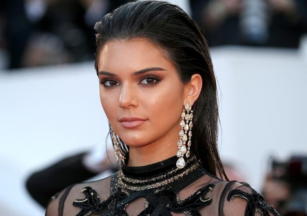 Kendall Jenner'ın gece yarısı paylaşımı sosyal medyayı salladı