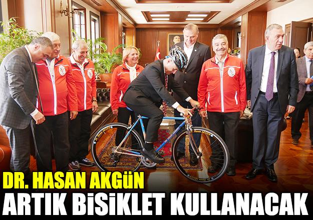 Araba yerine bisiklet kullanacak