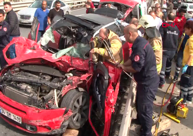 Maltepe'de feci kaza: 4 yaralı