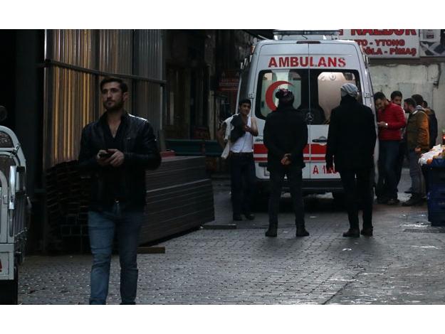 İstiklal Caddesi'nde kavga: 3 yaralı var