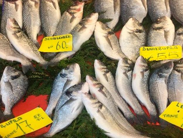 Kar yağışı sonrası balık fiyatları uçtu