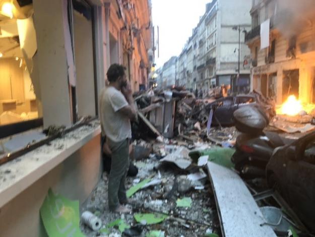 Paris'te patlama! 15 yaralı var