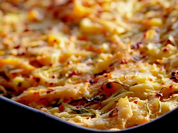 Gelinim Mutfakta Kabaklı Havuçlu Börek nasıl yapılır? Tarifi ve malzemeleri nedir