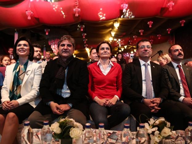 İstanbul'un tüm oylarına talibiz