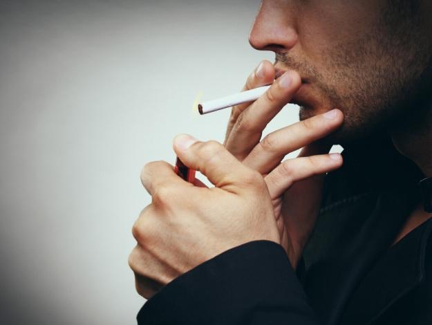 Sigara ömürden 10 yıl çalıyor