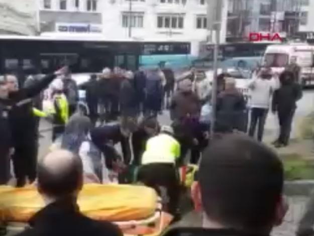 Özel Halk Otobüsü Beyazıt'ta kaza yaptı: Çok sayıda yaralı var