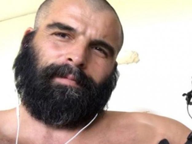Mehmet Akif Alakurt'a dizi arkadaşından sert tepki: Bir defa bana yeltendi