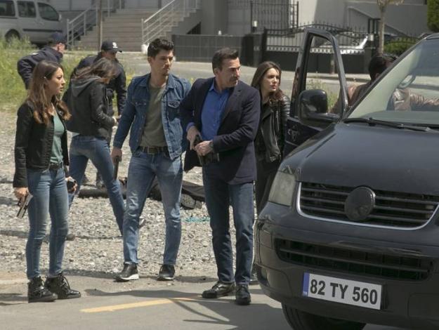 Arka Sokaklar 521. bölüm (sezon finali) tek parça izle - Yeni sezon fragmanı yayınlandı mı Kanal D