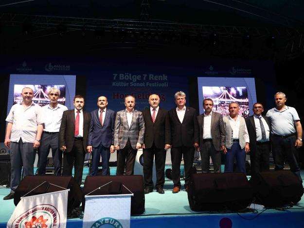 Festivalde siyaset devam etti