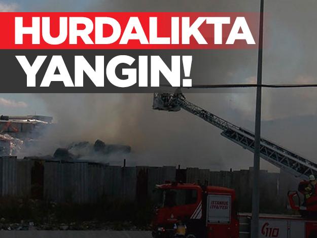 Başakşehir'de hurda alanı yandı!