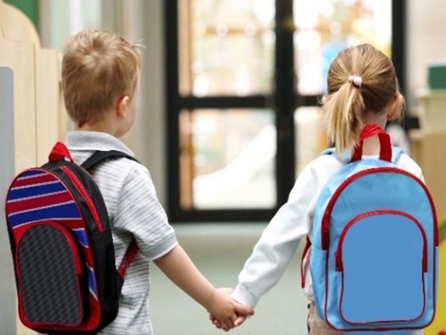 Ağır okul çantalarına dikkat!