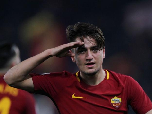 Cengiz Ünder AS Roma ile sözleşmesini uzattı