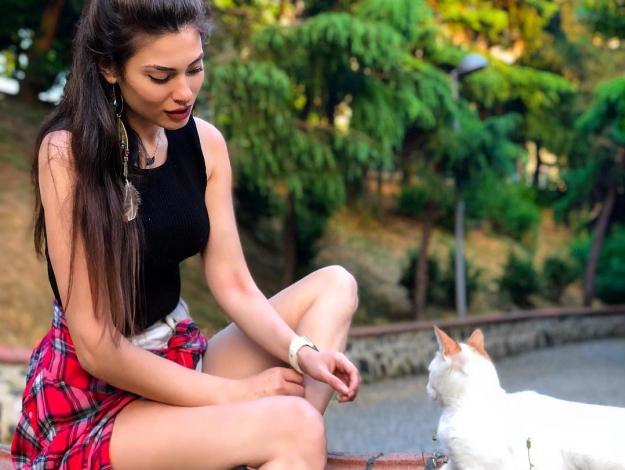 Sinem Reyhan Kıroğlu kimdir? Kaç yaşında, nereli, sevgilisi var mı? Instagram hesabı