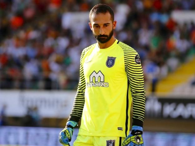 Volkan Babacan'ın ikinci büyük takım kariyeri başlıyor! Beşiktaş ile anlaştı