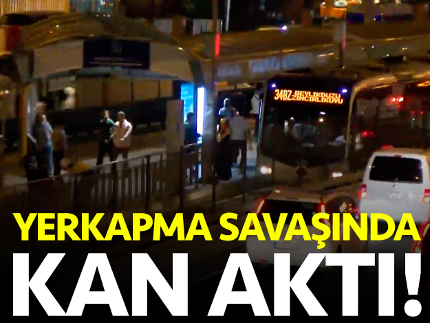Metrobüste yer kapma savaşı kanlı bitti: 1 yaralı