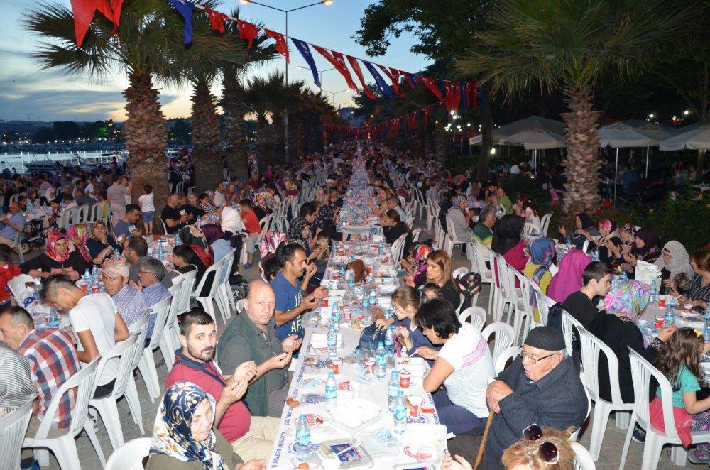 silivri ak parti iftar