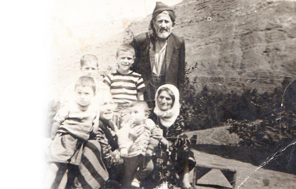 ekrem imamoğlu çocukluk fotoğrafı