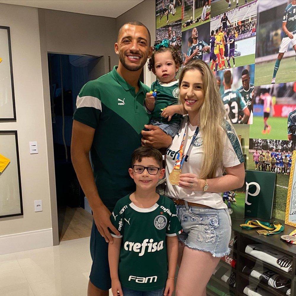 Vitor Hugo'nun eşi Rafaella