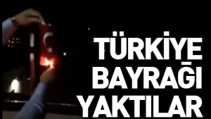 Kosova'da Türkiye bayrağı yaktılar