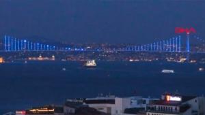 İstanbul Dünya Su Günü'nde maviye büründü