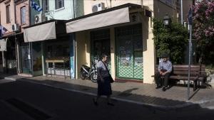 Yunanistan'da esnaf kepenk indirdi